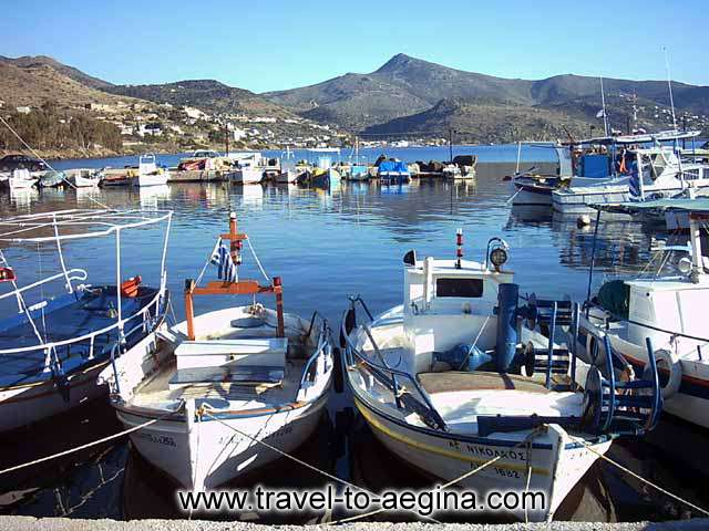 AEGINA PHOTO GALLERY - AEGINA FISHING BOATS