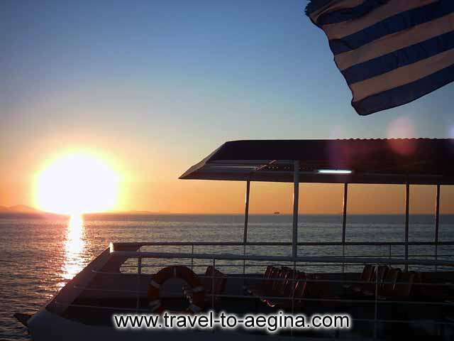 AEGINA PHOTO GALLERY - SUNRISE ON THE FERRY TO AEGINA